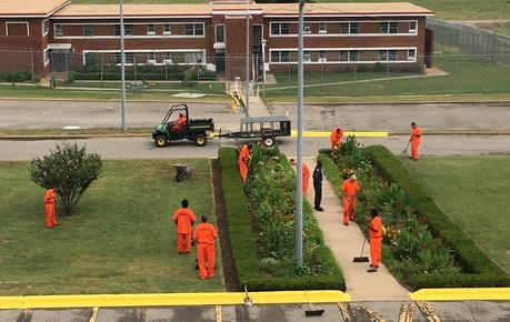Jess Dunn inmates work in their new, high-visibility uniforms.